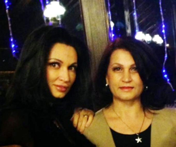 Nicoleta si mama sa au o relatie extrem de apropiata