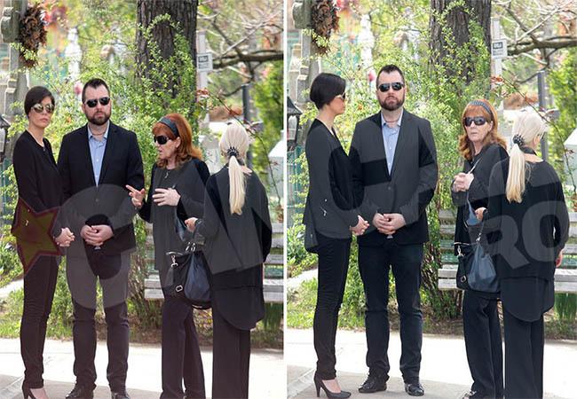 Familia lui Patrichi se pregăteşte de înmormântare