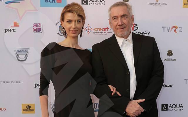 Cei doi îndrăgostiţi au fost unul dintre cele mai frumoase cupluri de la Gala Premiilor Gopo. Aceştia nu s-au ferit să se ţină de mână în faţa ziariştilor.
