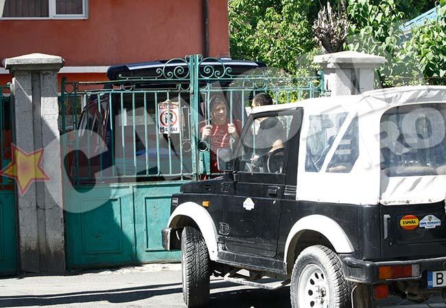 Mihai Mărgineanu are un desen obscen pe maşină.