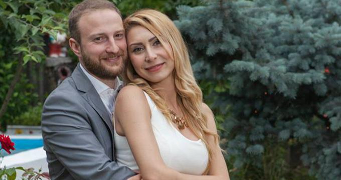 Andrei Tinu este îndrăgostit lulea de soţia lui.
