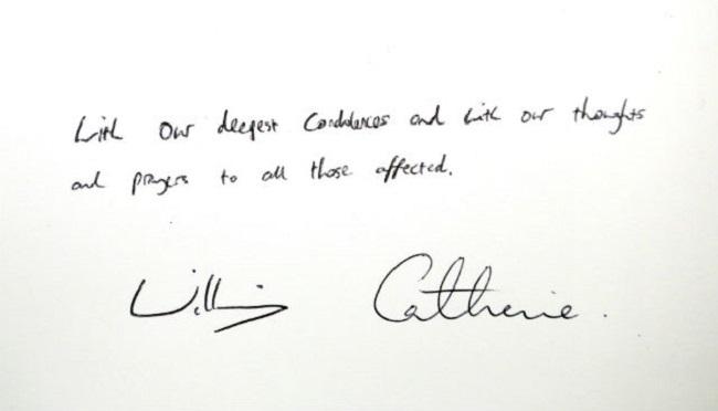 Kate şi Prinţul William au semnat în cartea de condoleanţe de la Ambasada Statelor Unite din Londra.