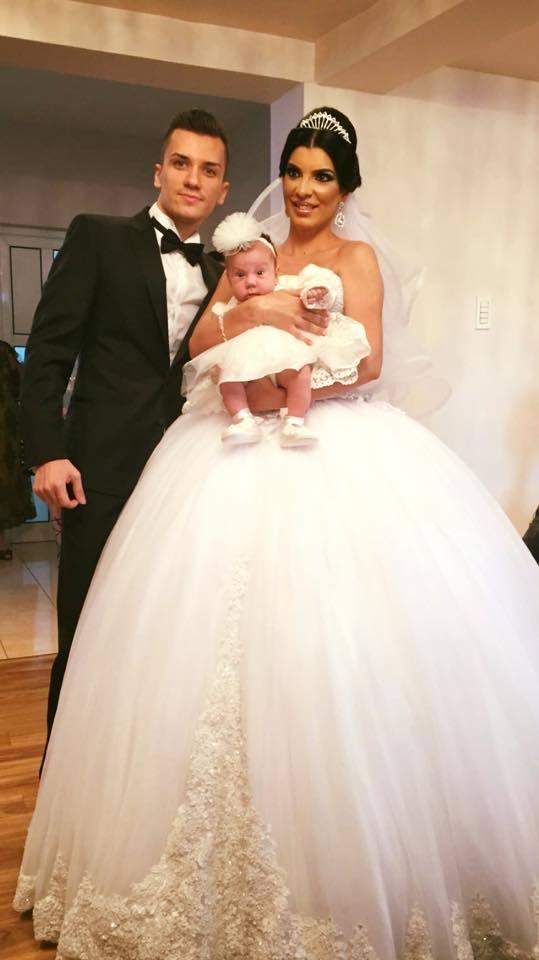Andreea Tonciu s-a căsătorit cu Daniel şi i-a dăruit un copil.