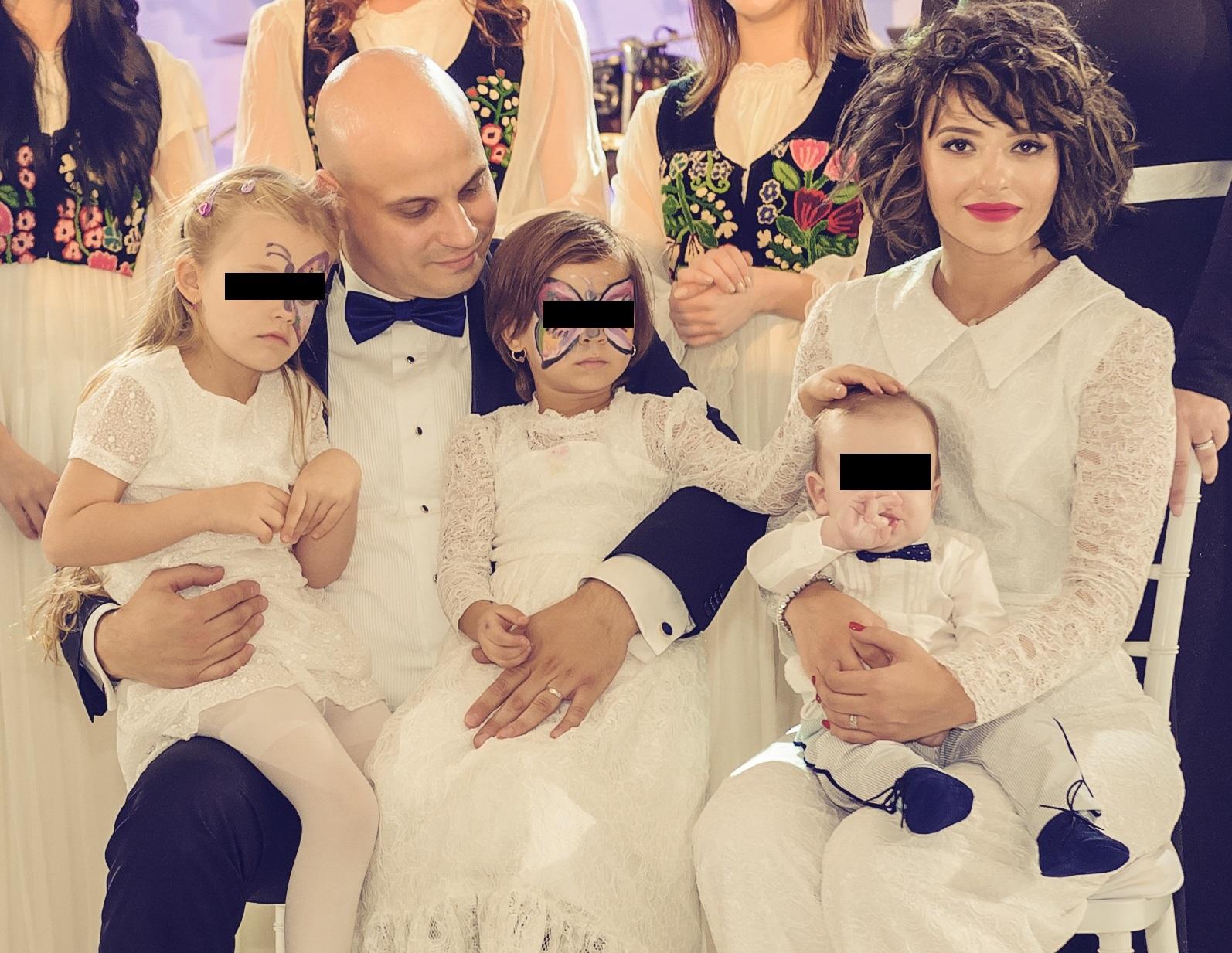 Giulia Anghelescu este căsătorită cu Vlad Huidu şi are doi copii, Antonia şi Mikael