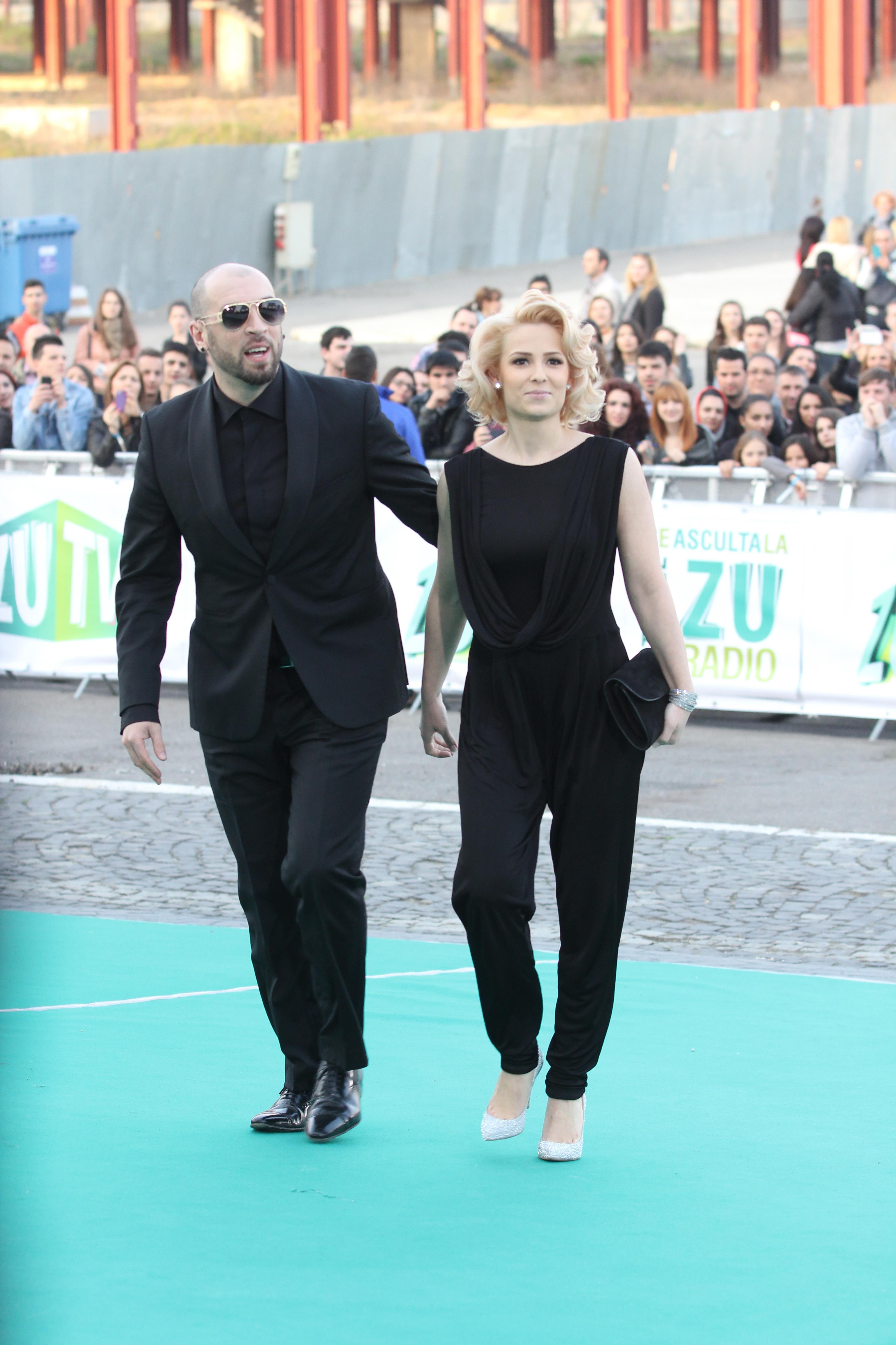 """În 2008 CRBL s-a căsătorit cu coregrafa Elena Vascu pe care a cunoscut-o la emisiunea """"Dansez pentru tine"""""""