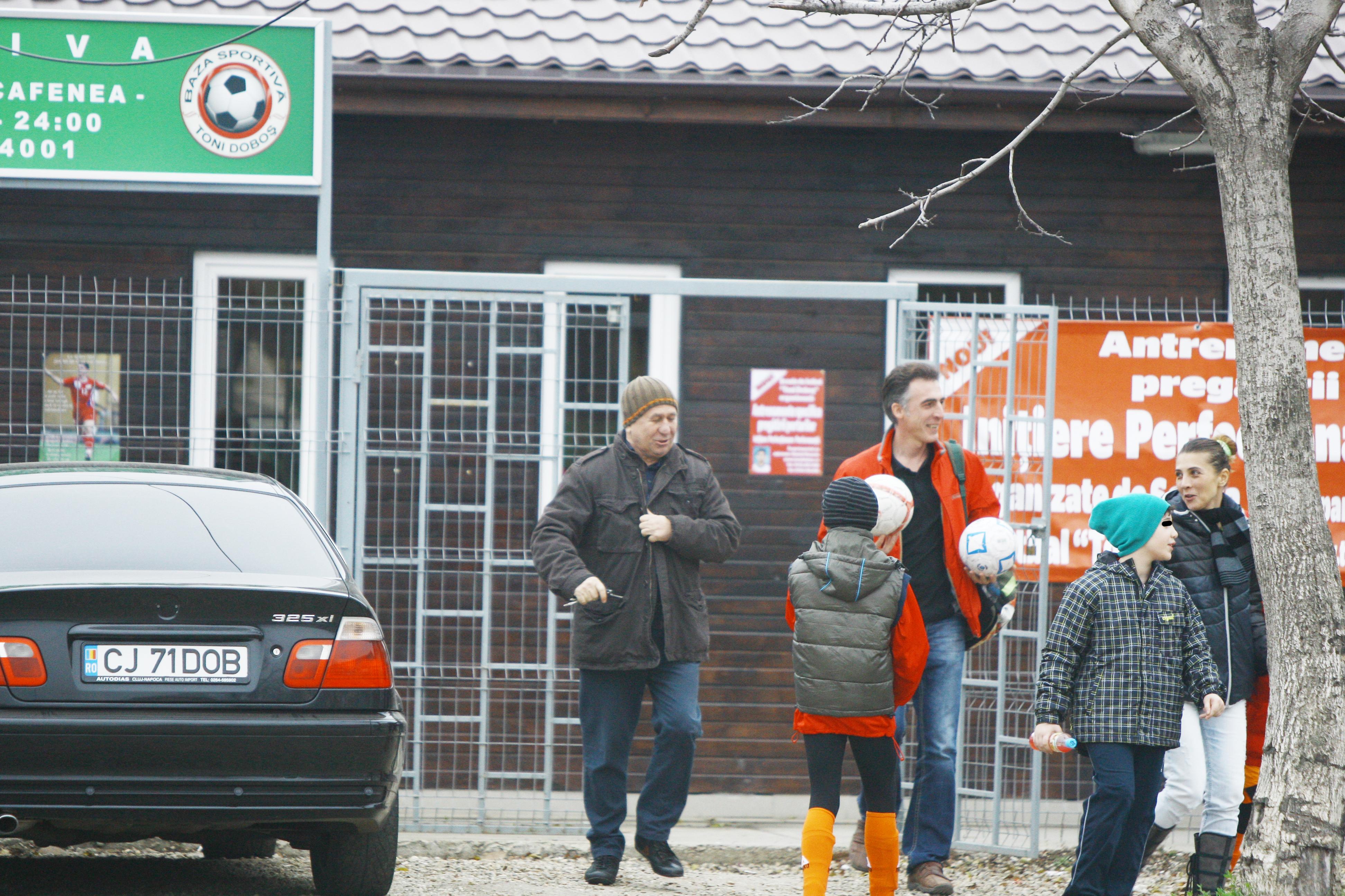 Actorul este o prezenta constanta la meciurile de fotbal ale fiului sau Andrei