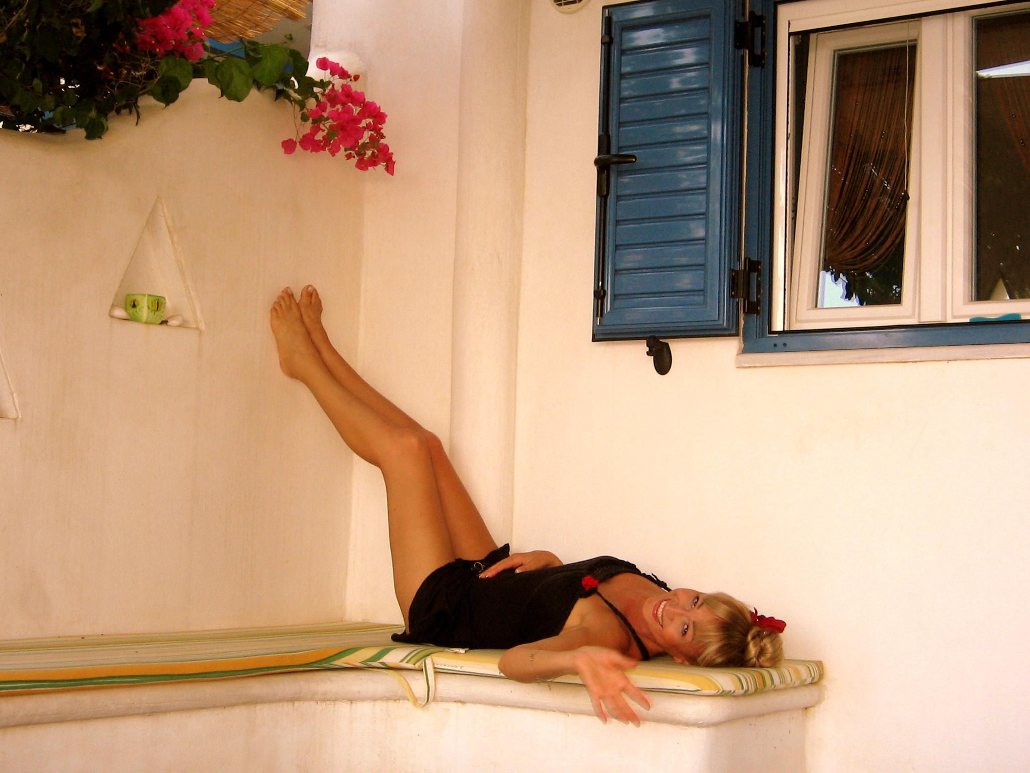 Simona Florescu a reusit performanta de a arata aproape perfect, fara nici o operatie estetica