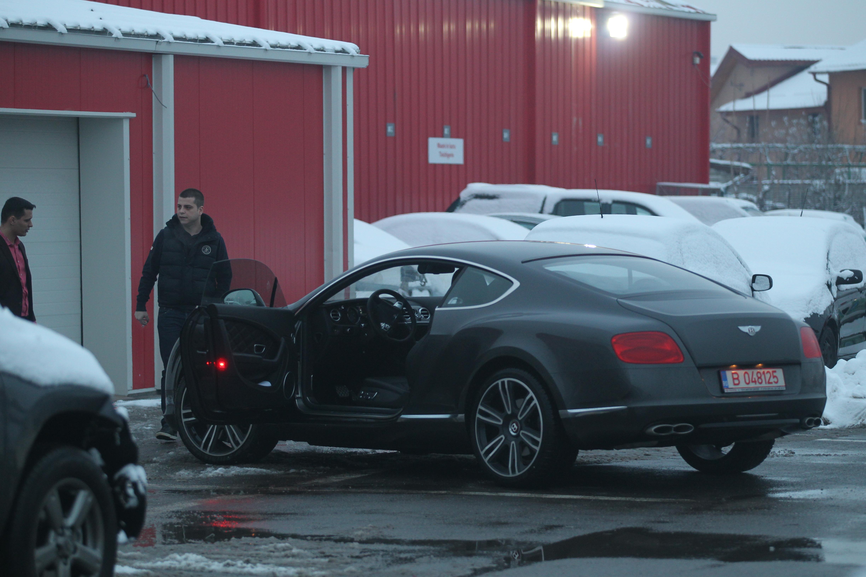 Prigoana isi pazeste cu sfintenia autoturismul pe care a platit aproape 200.000 de euro