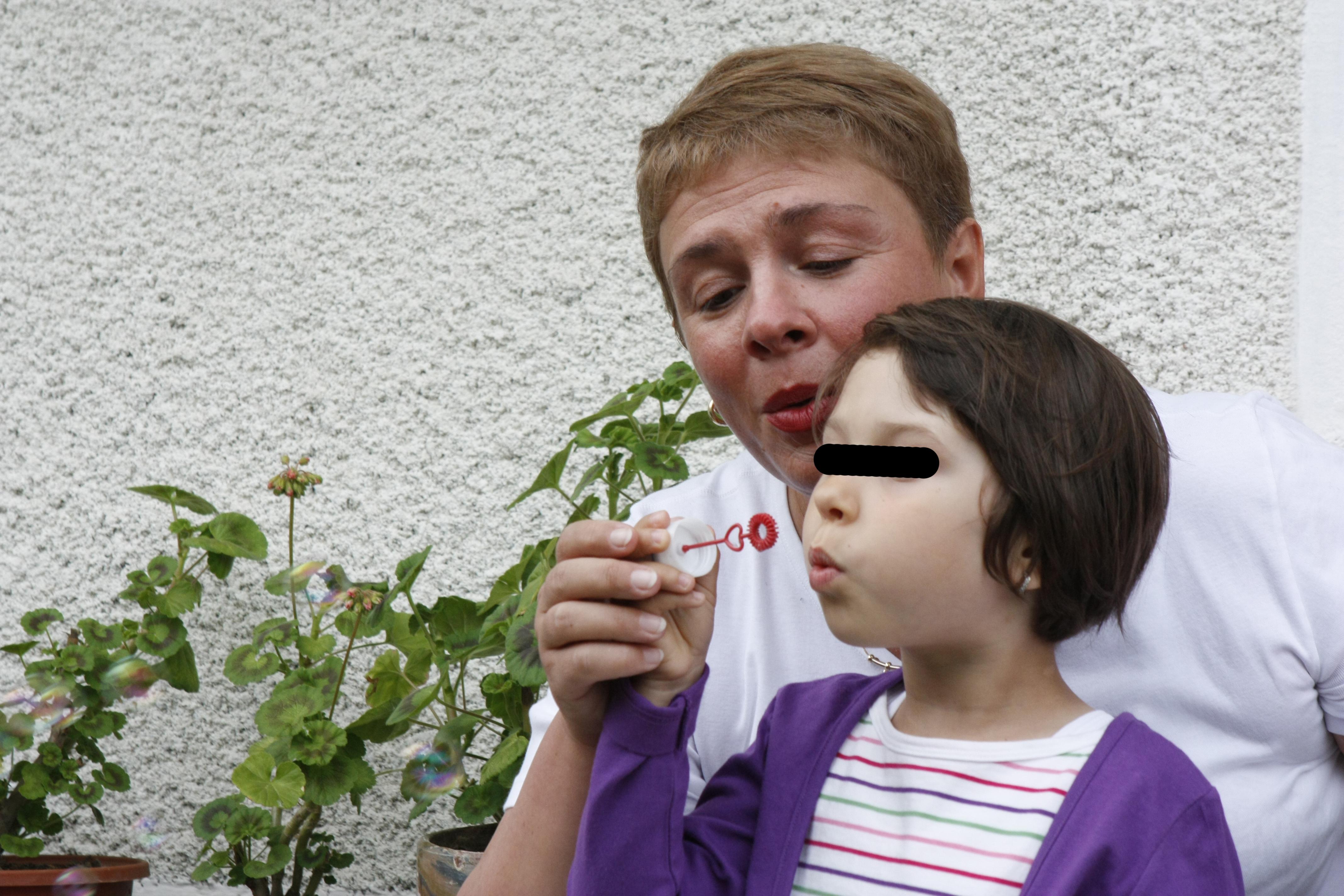 Cu fiica sa, Maia