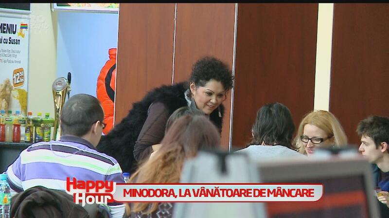 Minodora a ajuns să cerşească mâncare în mall! Află de ce a făcut asta şi ce reacţie au avut oamenii!