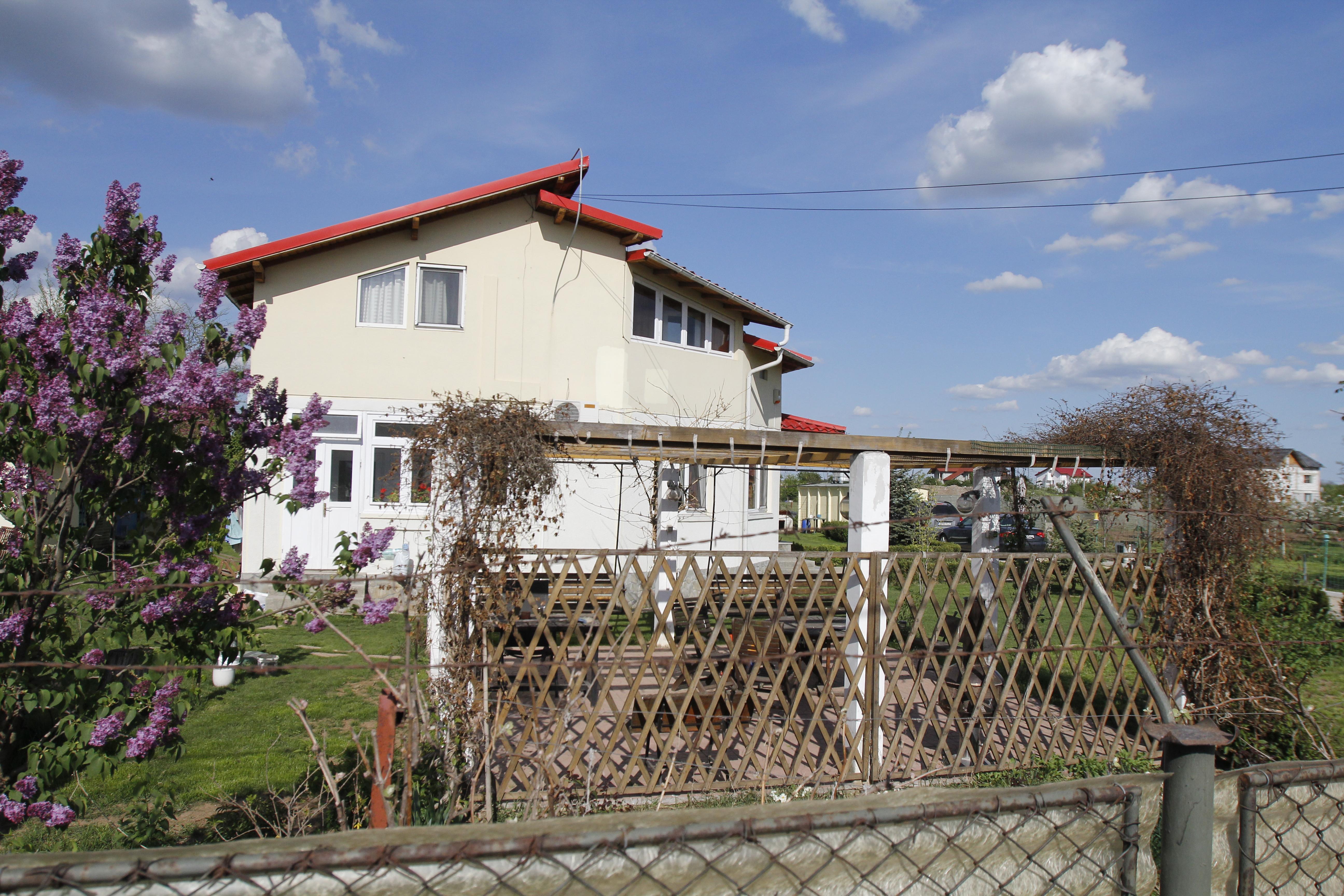 Acesta este locuinta pe care Florin Zamfirescu i-a lasat-o Catalinei Mustata dupa divort