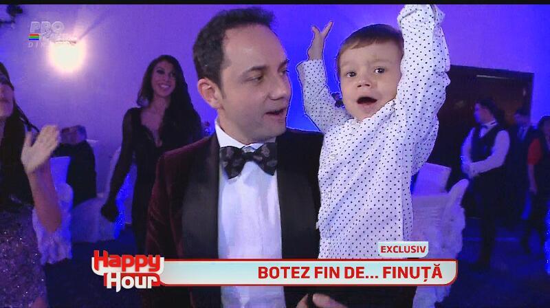 Ce băiat frumos are Cătălin Măruţă! Uite-l pe micuţul David la botezul fiicei lui Pepe! Nu-i aşa că-i drăgălaş?