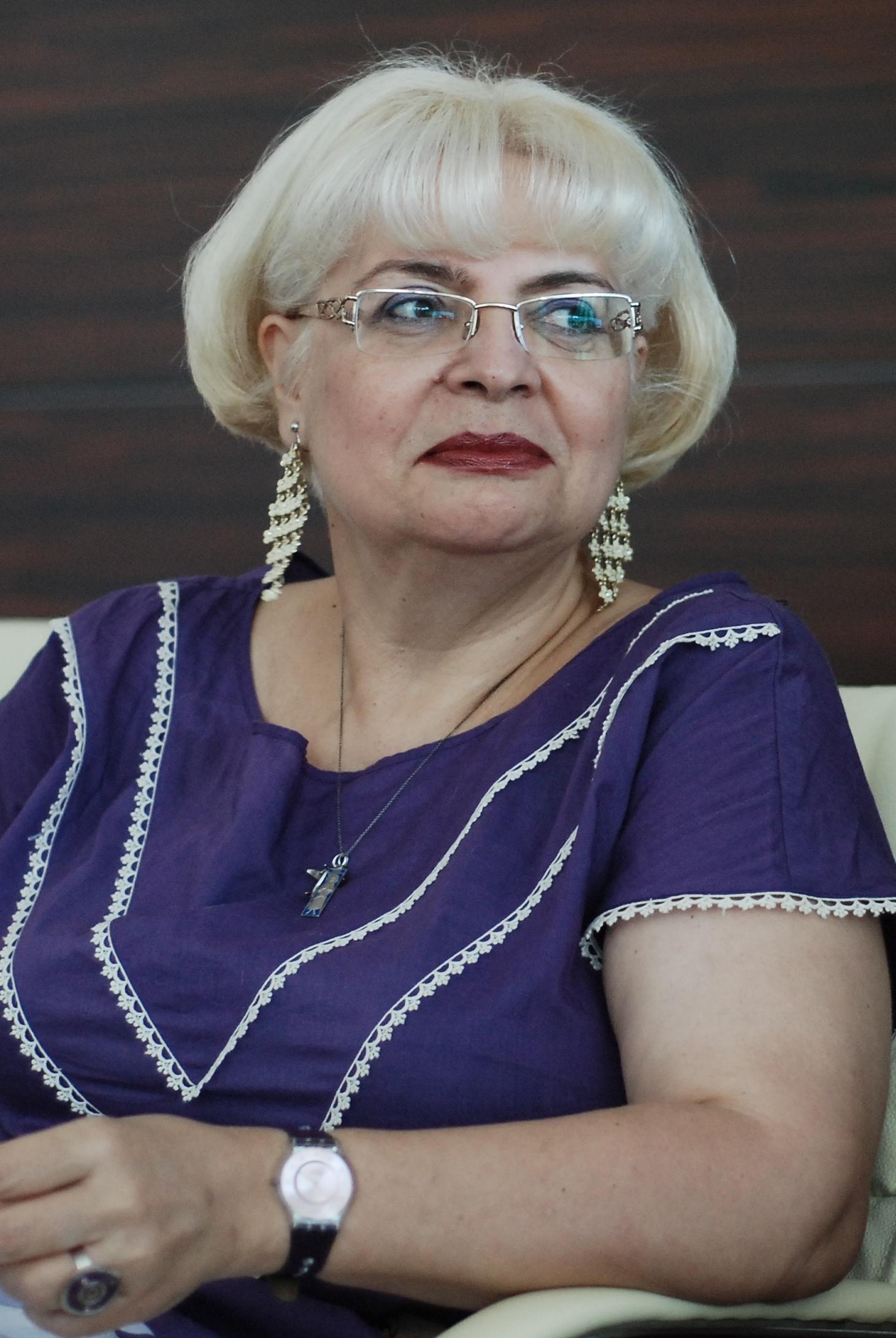 Irina Margareta Nistor are pasiuni nebanuite si e foarte incantata de abilitatile sale de a pilota