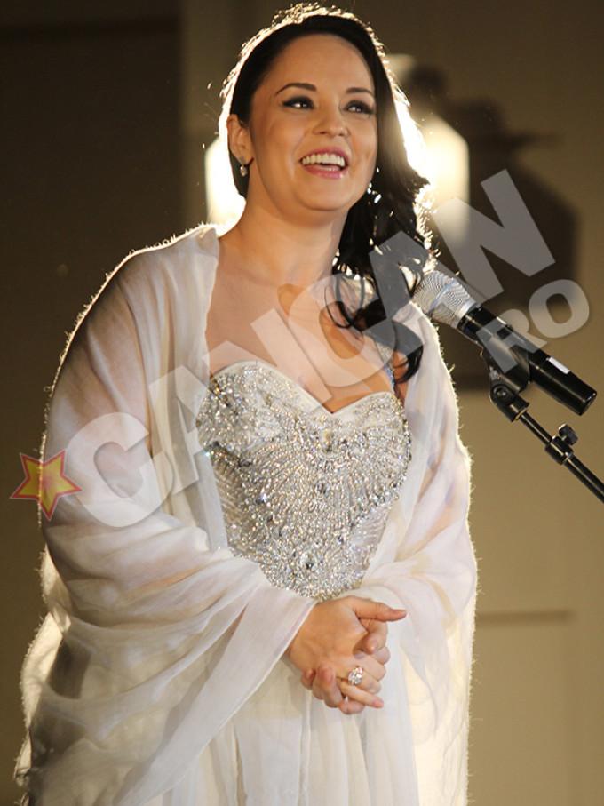 AMA are motive de gelozie? Fata din ultimul clip al lui Bănică, pe noua copertă a revistei Playboy! Uite-o cât de bine arată!