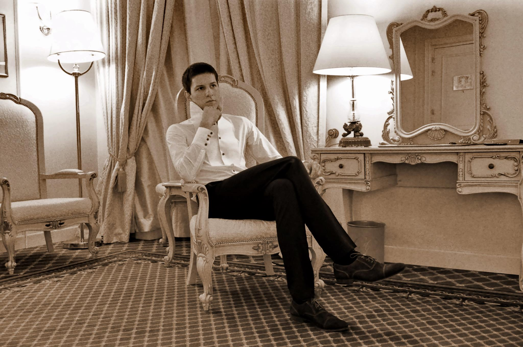 Darius este primul barbat din Romania care penseaza