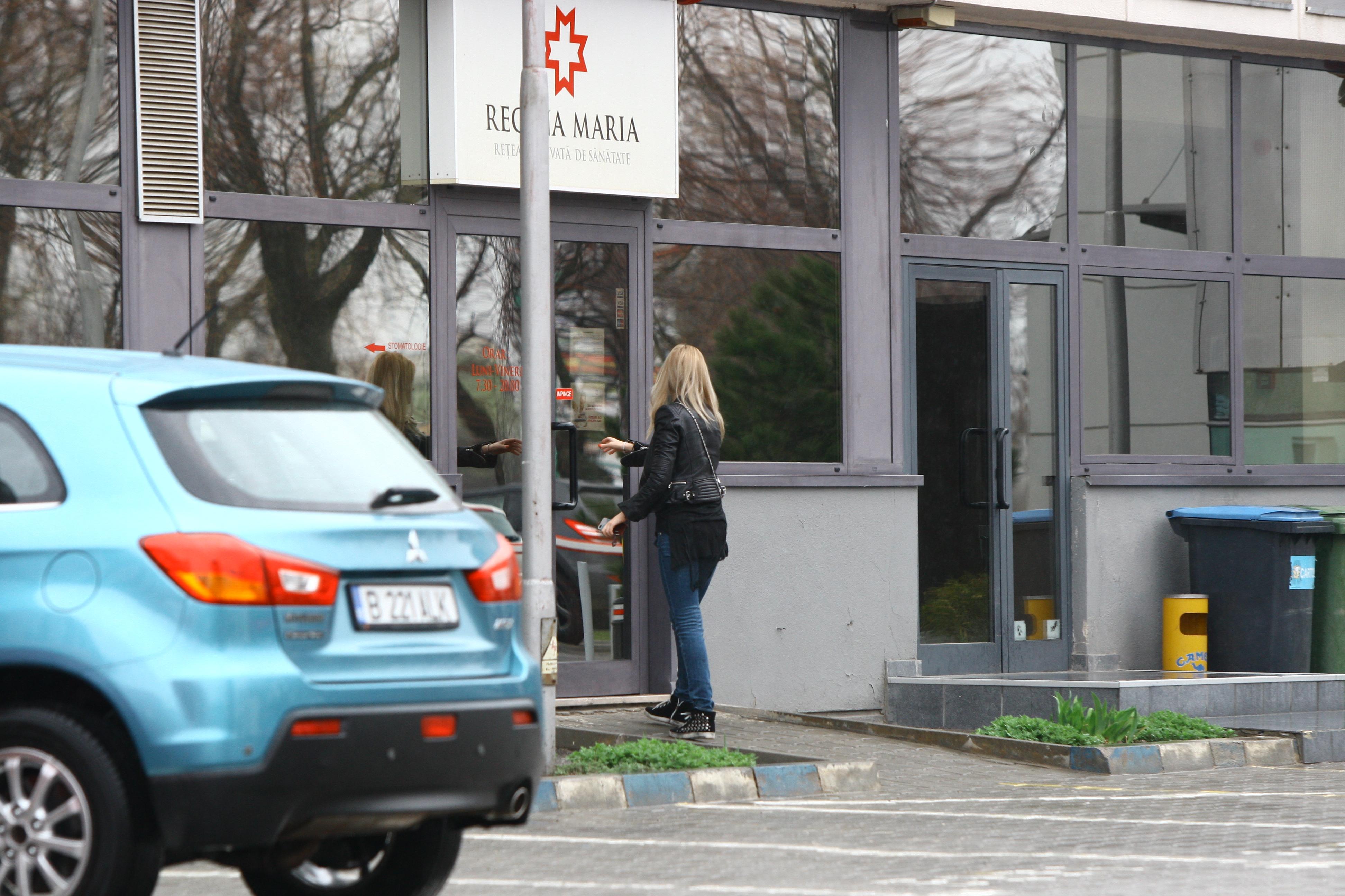 Artista intra in spital pentru a ajunge la timp la programare