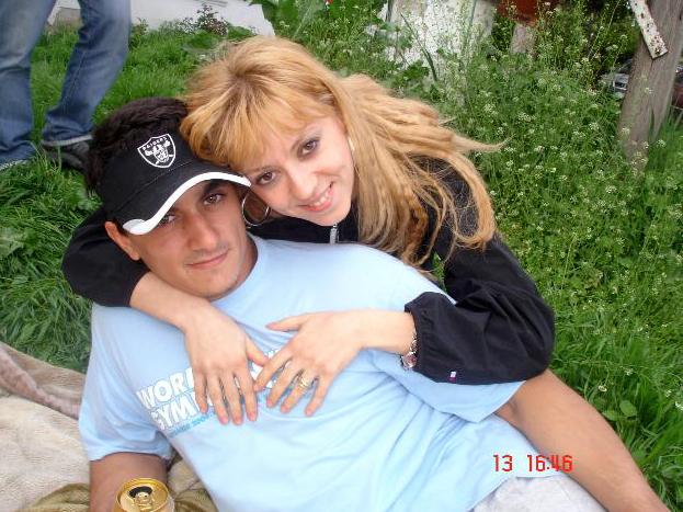 Larisa si Marian au divortat in urma cu patru ani si au impreuna 2 copii