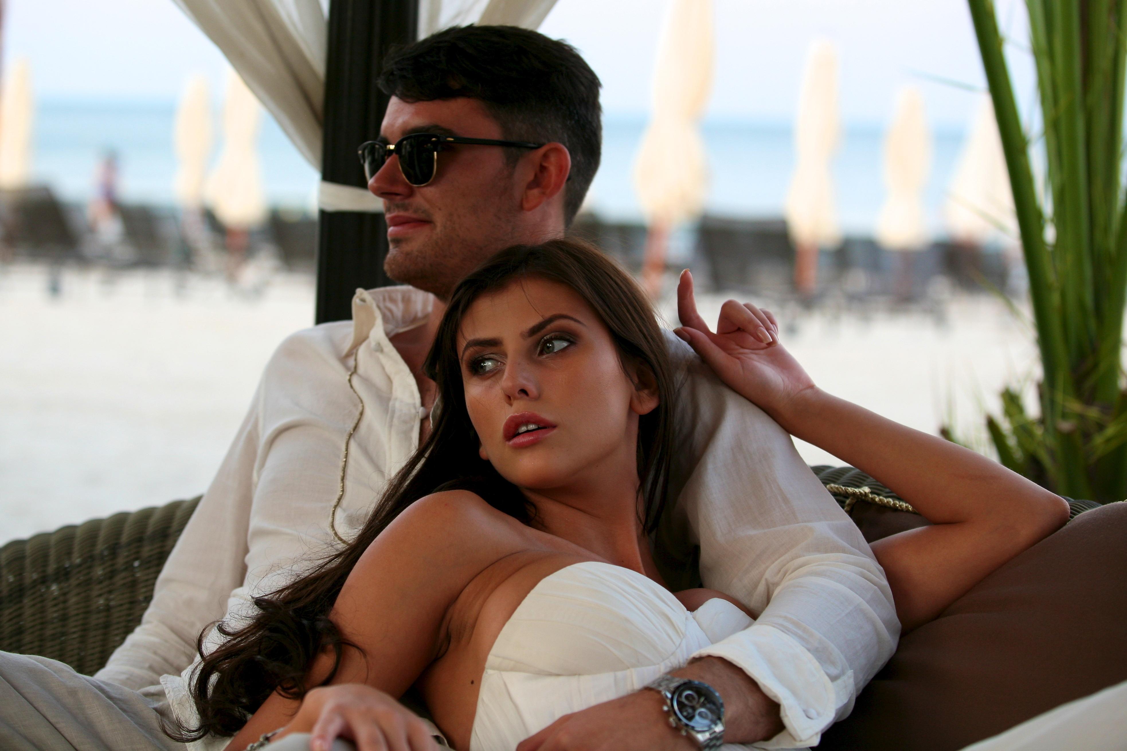 Roxana si Mihai au facut cununia civila in urma cu doi ani