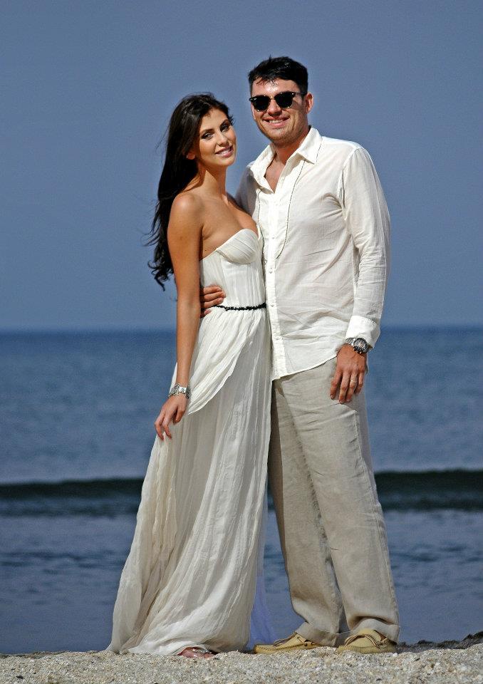 Cei doi au facut petrecerea dupa cununie intr-un cadru ferit, pe o plaja din statiunea Mamaia