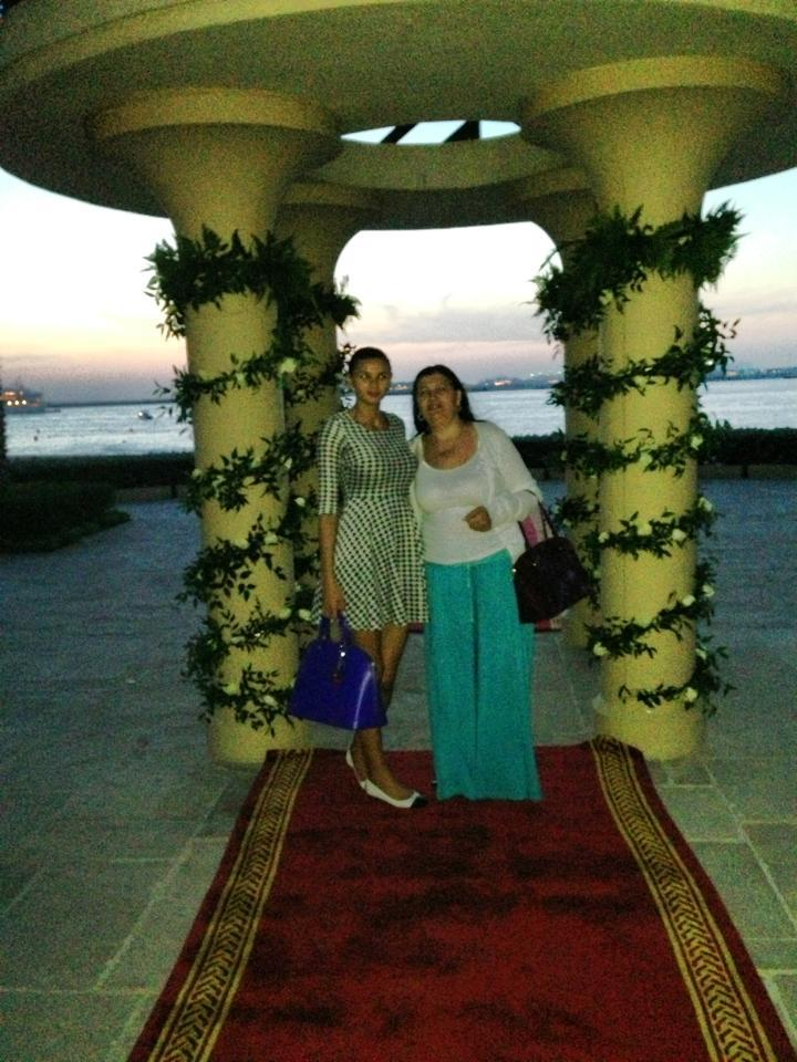 In vara, Veronica a fost in Dubai, in vizita la Ramona