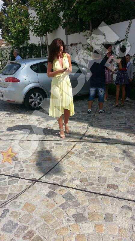 Sora Biancai a ales o rochie cu un decolteu generos