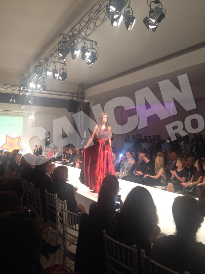 Bianca Drăguşanu se numără printre cele mai cotate fotomodele de la noi din ţară, acesta fiind motivul şi pentru care e atât de solicitată la cele mai importante prezentări de modă