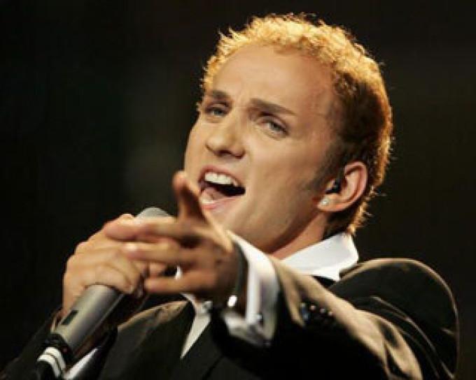 Mihai este unul dintre cei mai talentati artisti din Romania, cu o cariera de peste 15 ani in muzica
