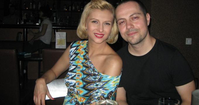 Lora si sotul ei, Dan Badea, au reusit sa cumpere doua apartamente intr-un an