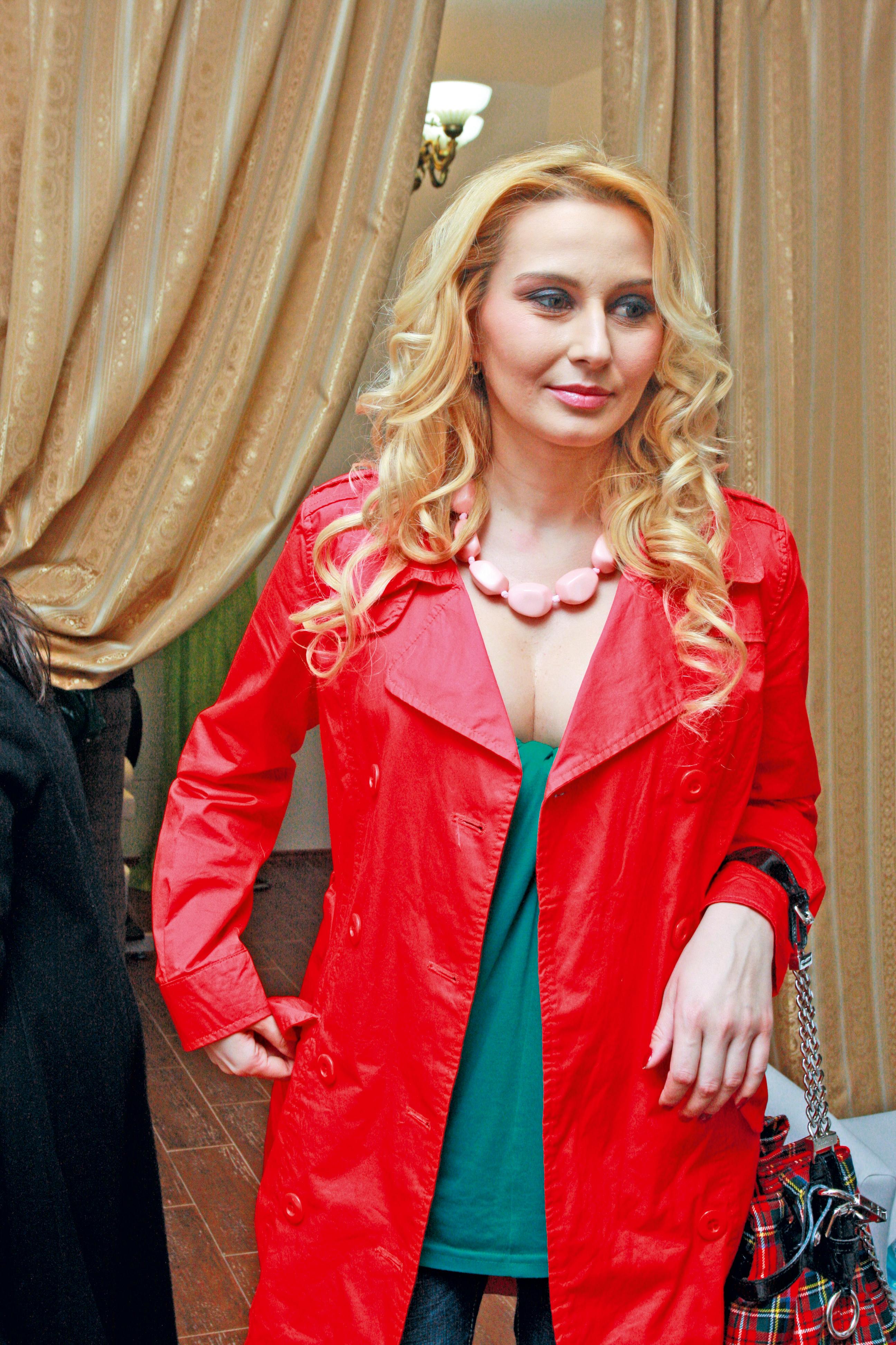 Crina sufera enorm dupa despartirea de Gabi Popescu