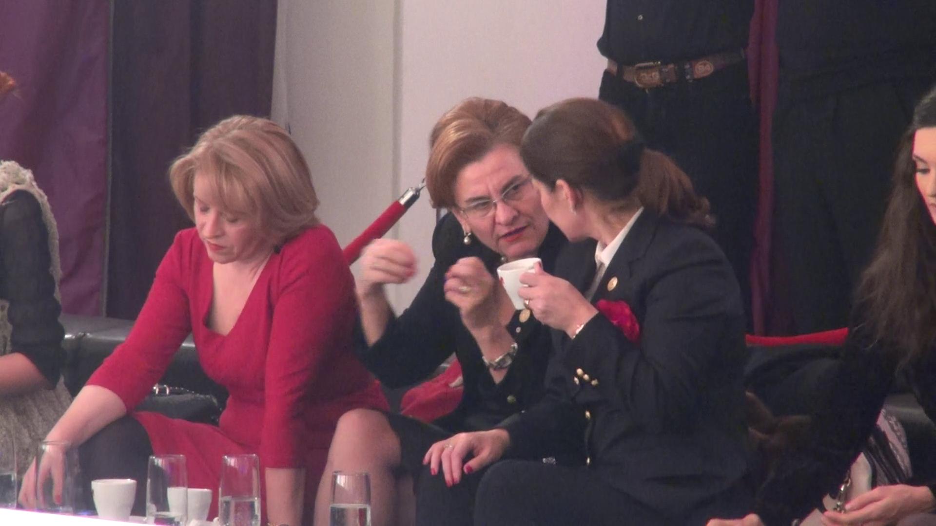 Maria Grapini s-a intretinut cu doamnele care au insotit-o