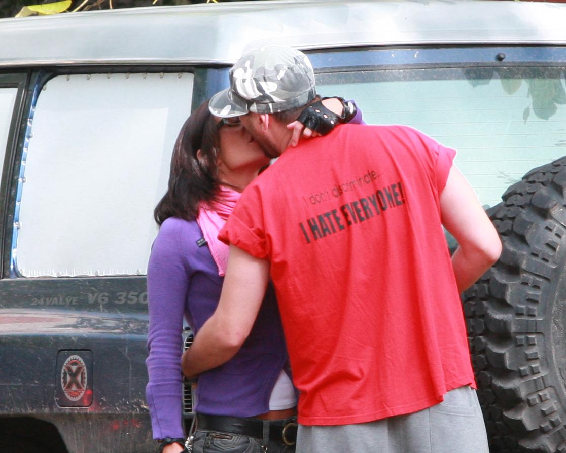Cei doi s-au sarutat in plina strada, desi Cheloo era inca insurat