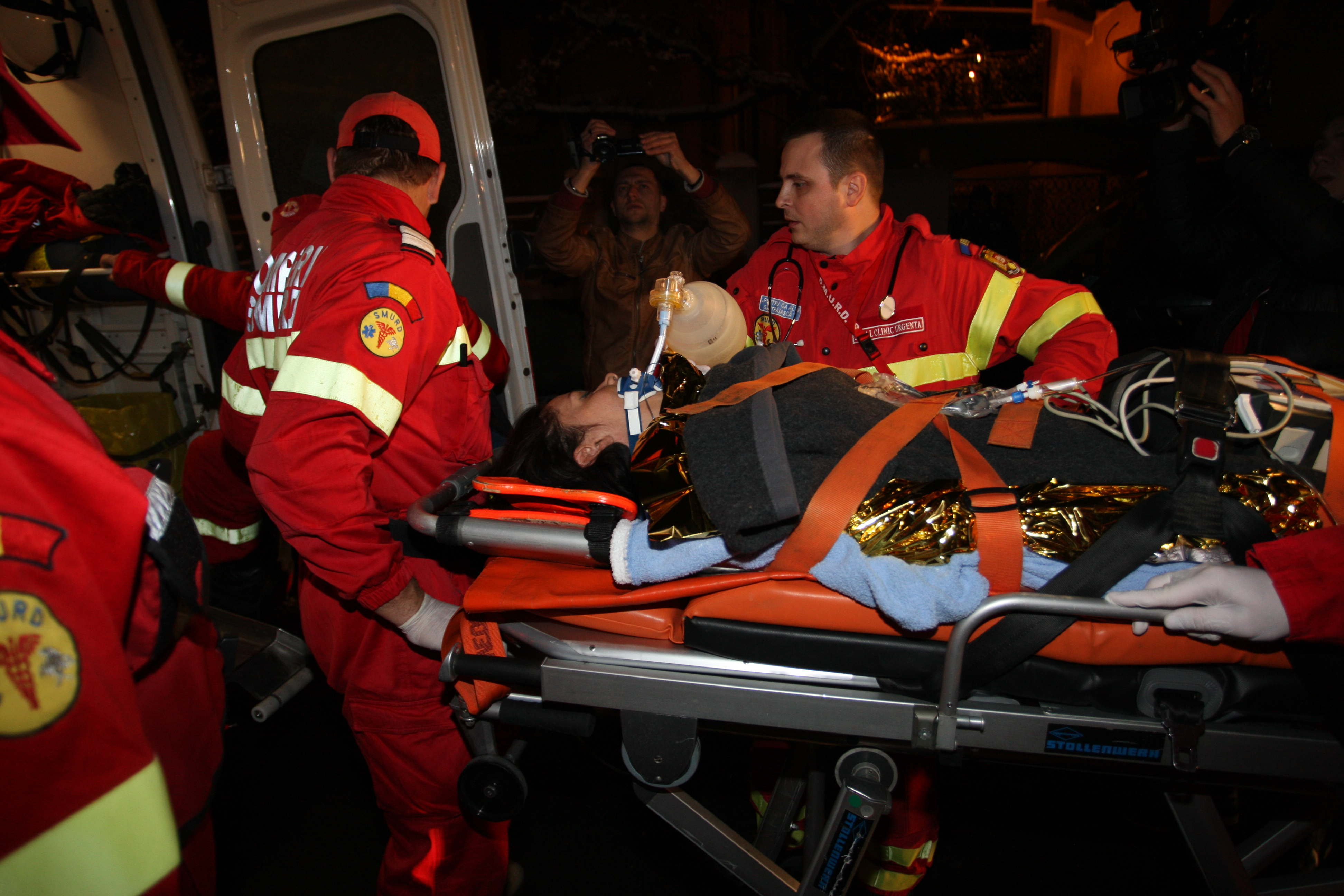 Zavo a fost transportata cu targa, la spital, marti seara, la numai 24 de ore dupa ce s-a externat pe propria semnatura