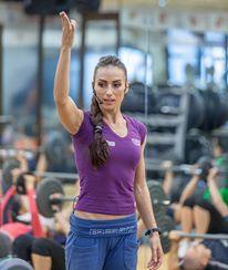 Anca Bucur este una dintre cele mai bine cotate antrenoare de fitness din Romania
