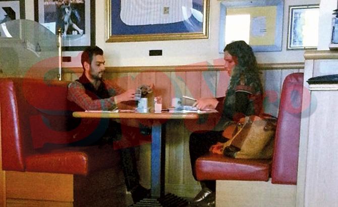 Cei doi au luat masa impreuna, ca un cuplu vechi