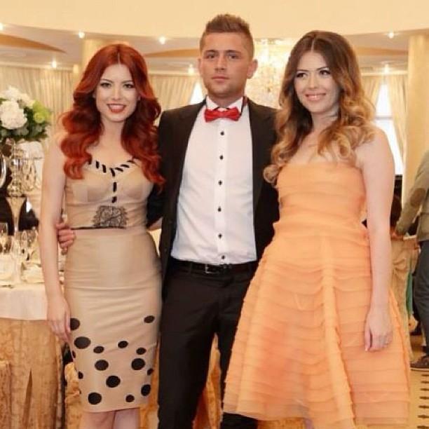 Costin Gheorghe, alaturi de surorile sale, Elena si Ana sursa: arhiva personala