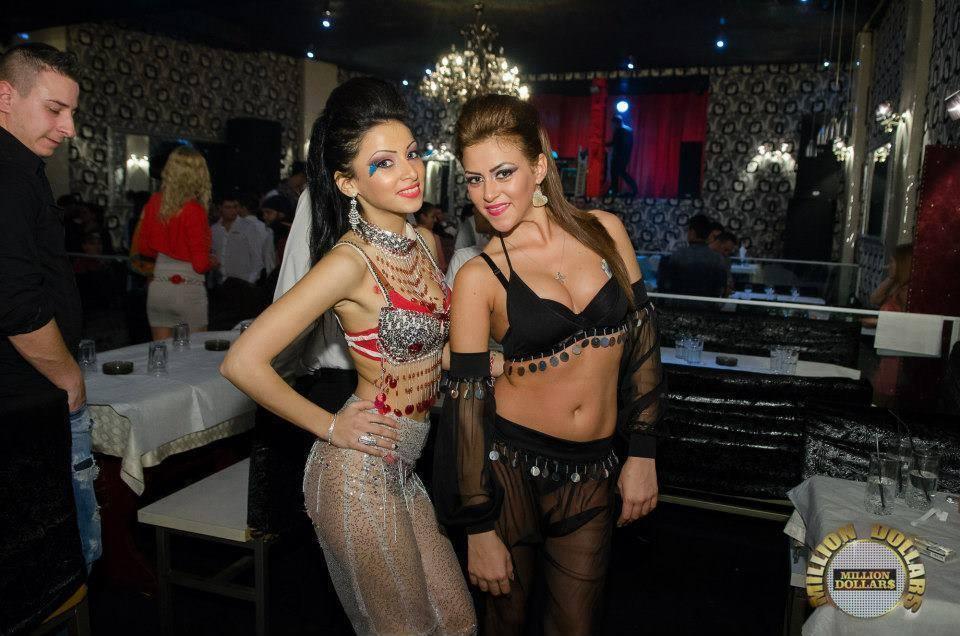 Daniela face show in cluburile de manele