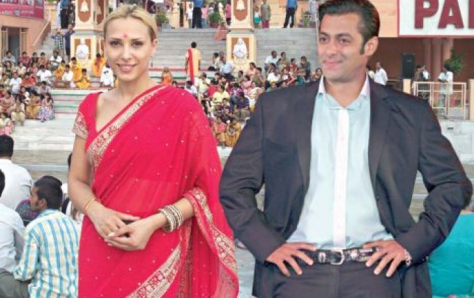 Iulia si Salman se vor intalni la Bollywood, la filmarile musical-ului