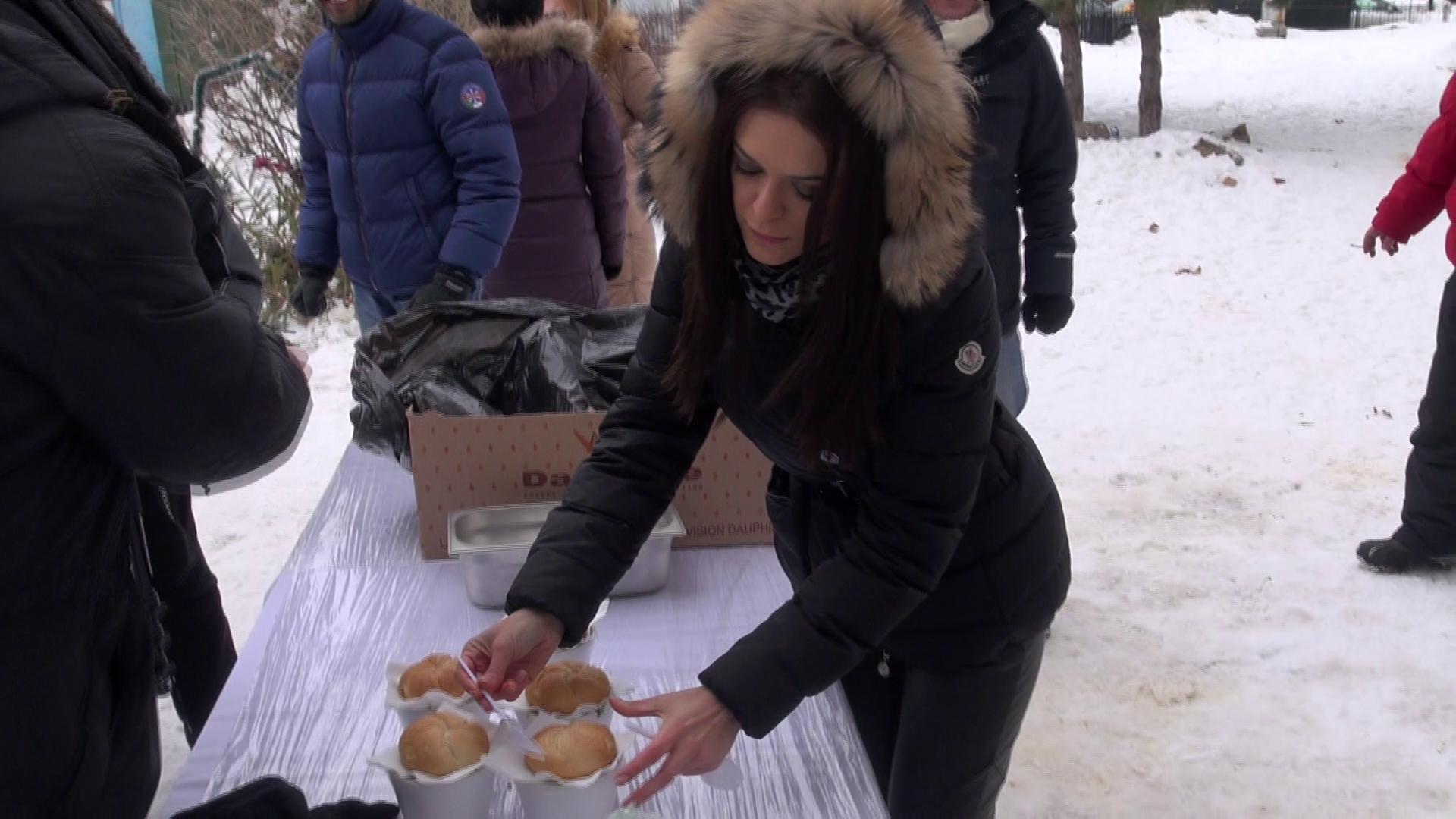 Raluca Lazarut s-a implicat activ in ajutarea oamenilor fara adapost