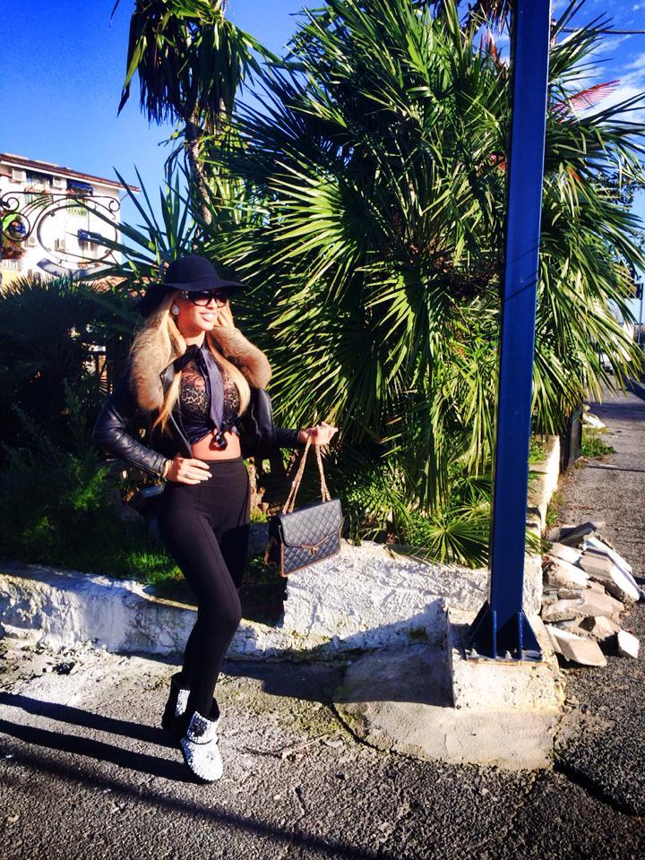 Loredana a impartasit cu fanii de pe Facebook aventurile din Italia
