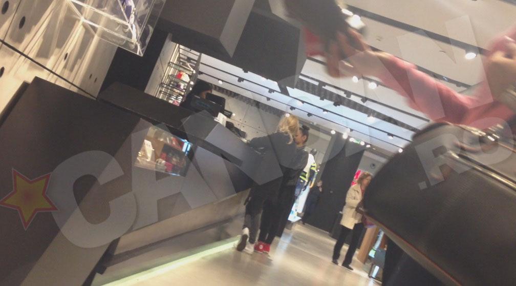 Alina Crisan a avut o scruta repriza de shopping in mall
