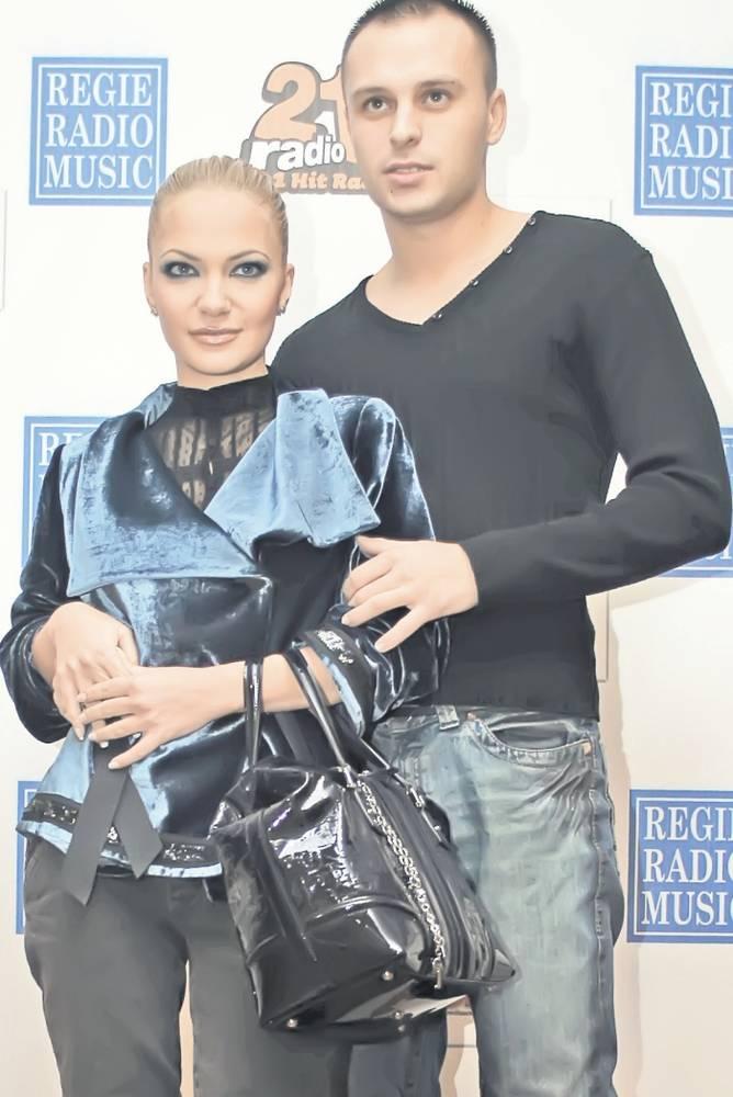 Andreea si sotul ei, Traian Spak