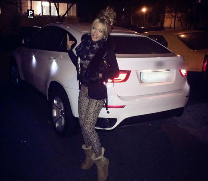 Loredana, alaturi de pretiosul ei BMW X6
