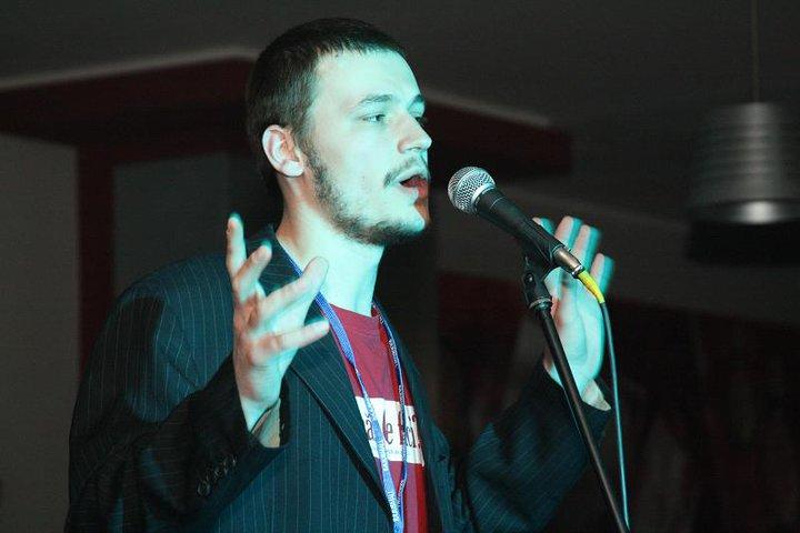 Krem isi dedica foarte mult timp muzicii, marea sa dragoste foto: Facebook