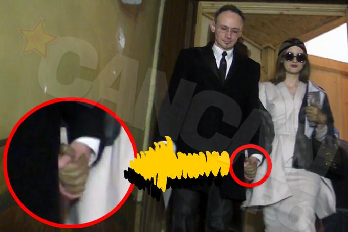 februarie 2013: Sotii Albu au divortat tinandu-se de mana