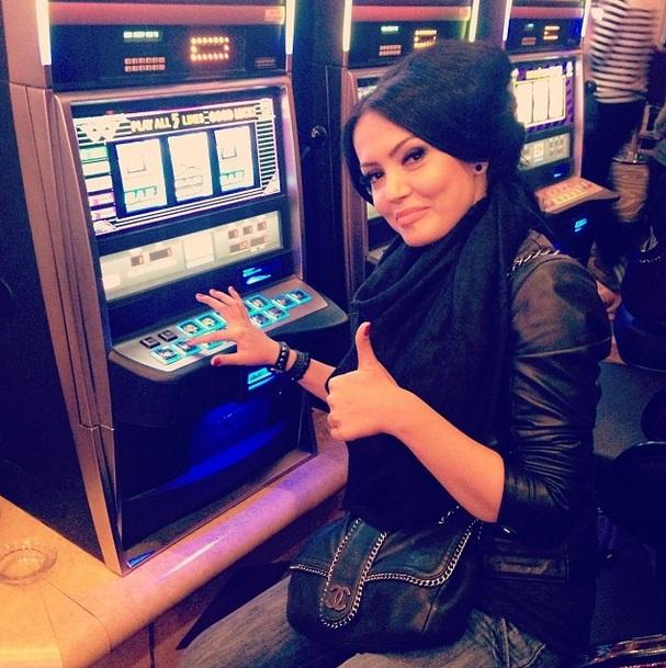 Andreea spune ca a castigat la jocurile de noroc