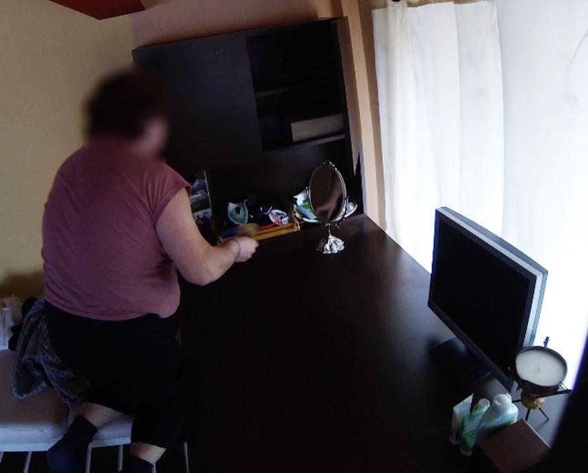 Cabral a filmat-o pe menajera cu camera ascunsa in timp ce ii fura bani din casa