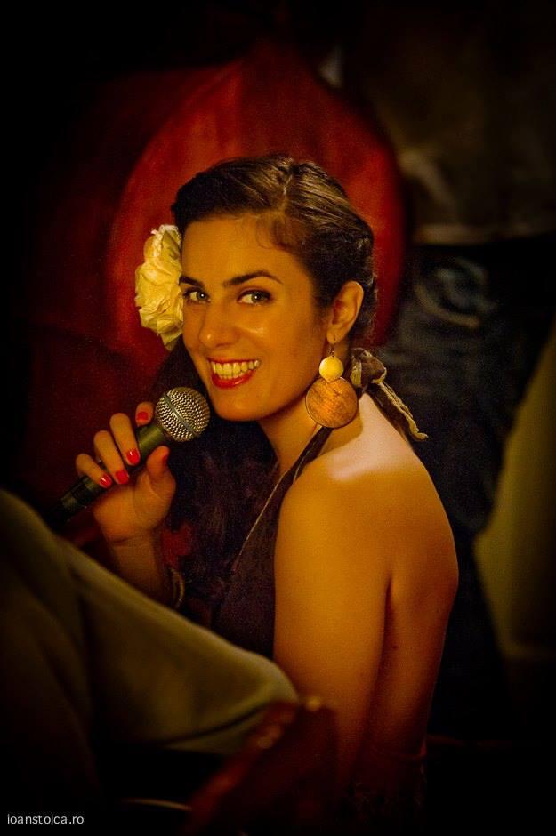 Frumusetea Irinei Sarbu aduce aminte de Anca Parghel foto:ioanstoica.ro