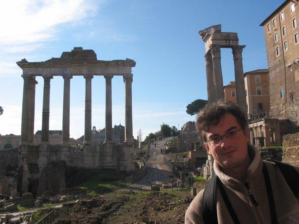 Razvan este acum medic la Centrul de Gastroenterologie si Hepatologie Institutul Clinic Fundeni