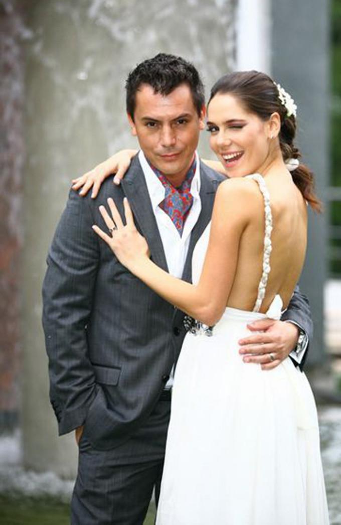 Irina si Razvan Fodor in ziua nuntii sursa: PRO TV