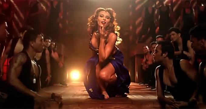 Iulia Vantur, in videoclipul melodiei